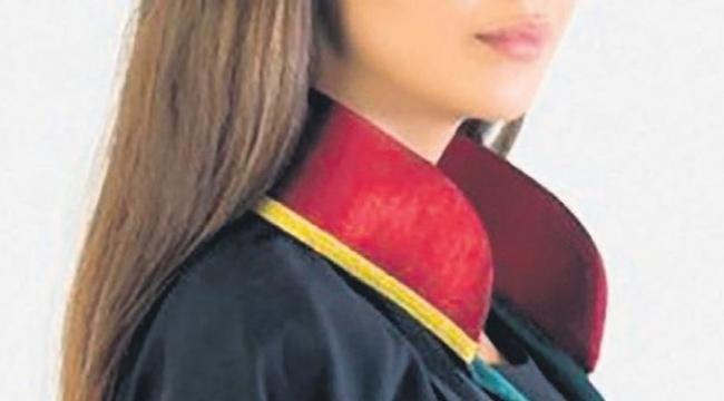 İzmir'de erkek avukata 'CİNSEL TACİZ' de bulunan kadın avukat baro kaydını başka ile aldırdı