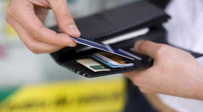 Kredi kartı aidatı dolandırıcılarına dikkat!