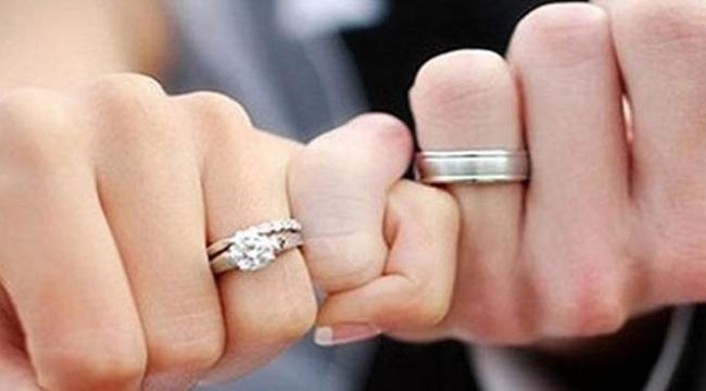 Boşanmalar patladı:'Koronavirüs evlilikleri vurdu'