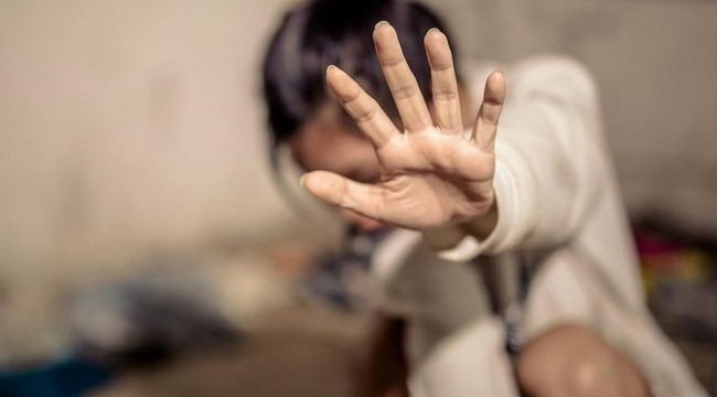 Taksiden zorla indirilen genç kadın şikayetini geri çekti:''İzmir ünlü müteahhite zorbalık davası'