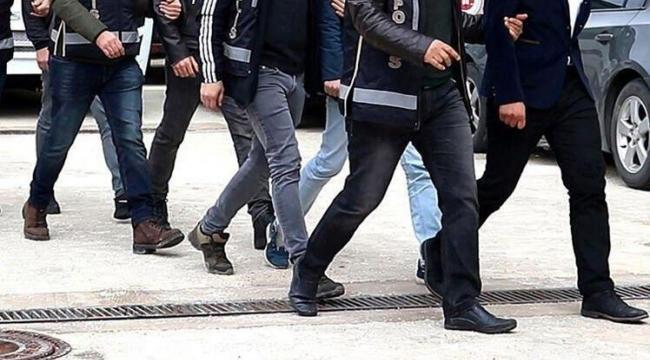 3 İlde 115 gözaltı:'Erkekleri tuzağa düşürüp gasp eden çeteye 'YARASI KIZ' operasyonu