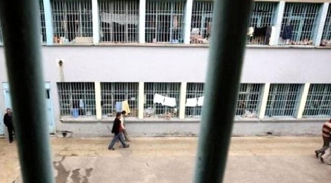 Cezaevinde disiplin cezası nedeniyle iyi halli olmayanların beklemesi gereken süre ne kadar?