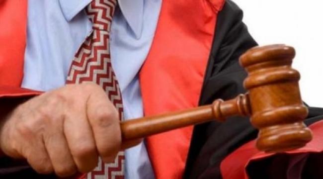 Hakime 2 yıl hapis cezası:'Avukatın 'etek boyu' davasında karar çıktı!
